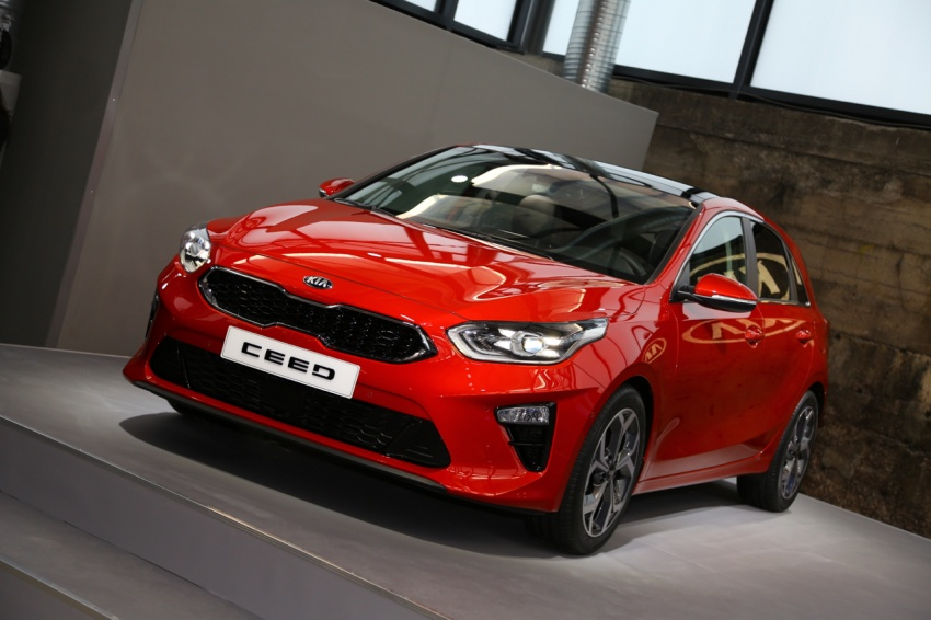 Kia Ceed revealed ahead of Geneva Motor Show – third-gen model gets new styling, name, more tech Image #779685