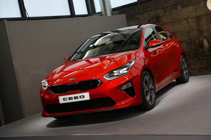 Kia Ceed revealed ahead of Geneva Motor Show – third-gen model gets new styling, name, more tech Image #779686