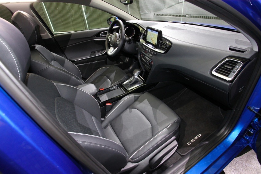 Kia Ceed revealed ahead of Geneva Motor Show – third-gen model gets new styling, name, more tech Image #779692