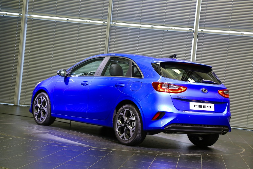 Kia Ceed revealed ahead of Geneva Motor Show – third-gen model gets new styling, name, more tech Image #779577