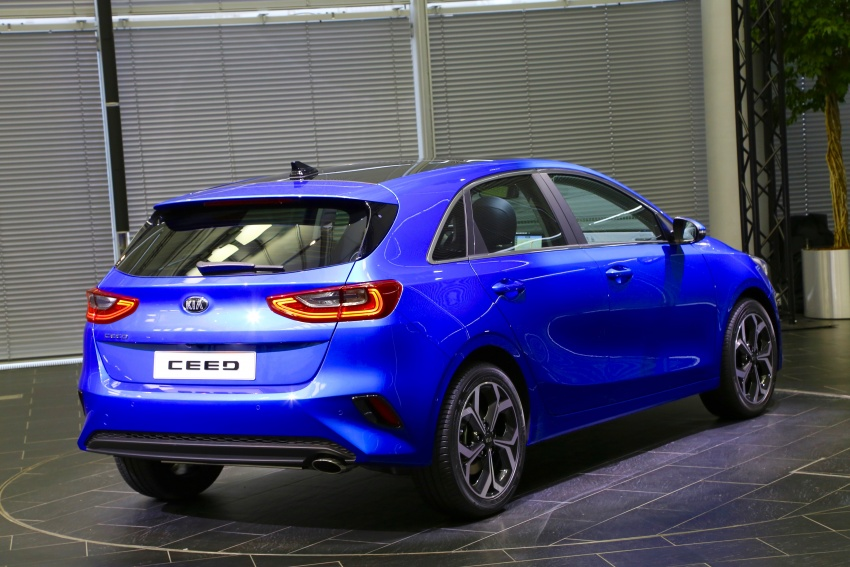 Kia Ceed revealed ahead of Geneva Motor Show – third-gen model gets new styling, name, more tech Image #779579