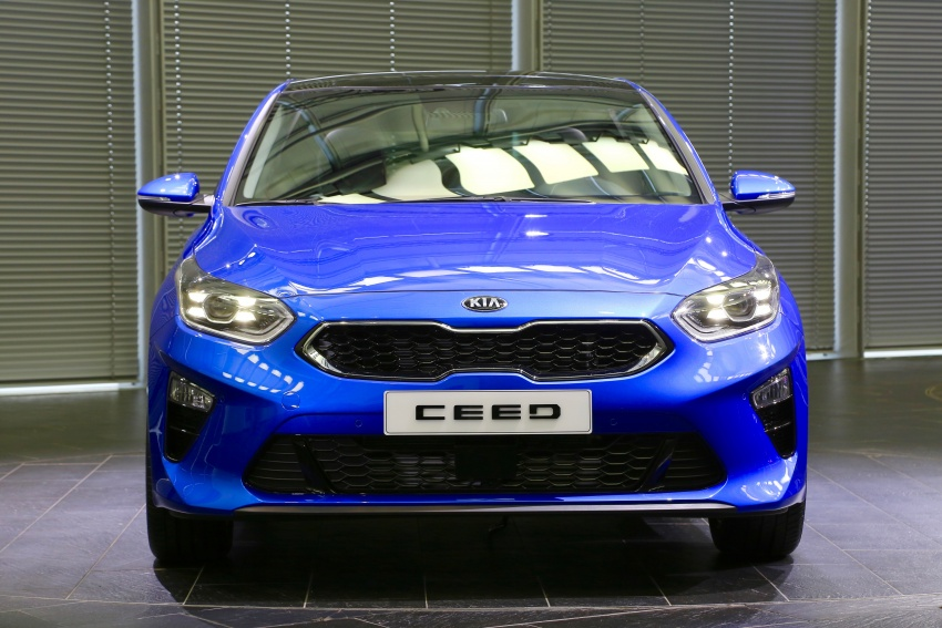 Kia Ceed revealed ahead of Geneva Motor Show – third-gen model gets new styling, name, more tech Image #779581