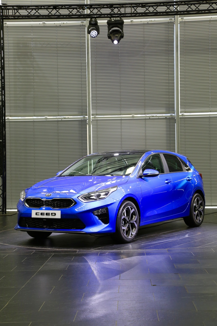 Kia Ceed revealed ahead of Geneva Motor Show – third-gen model gets new styling, name, more tech Image #779584