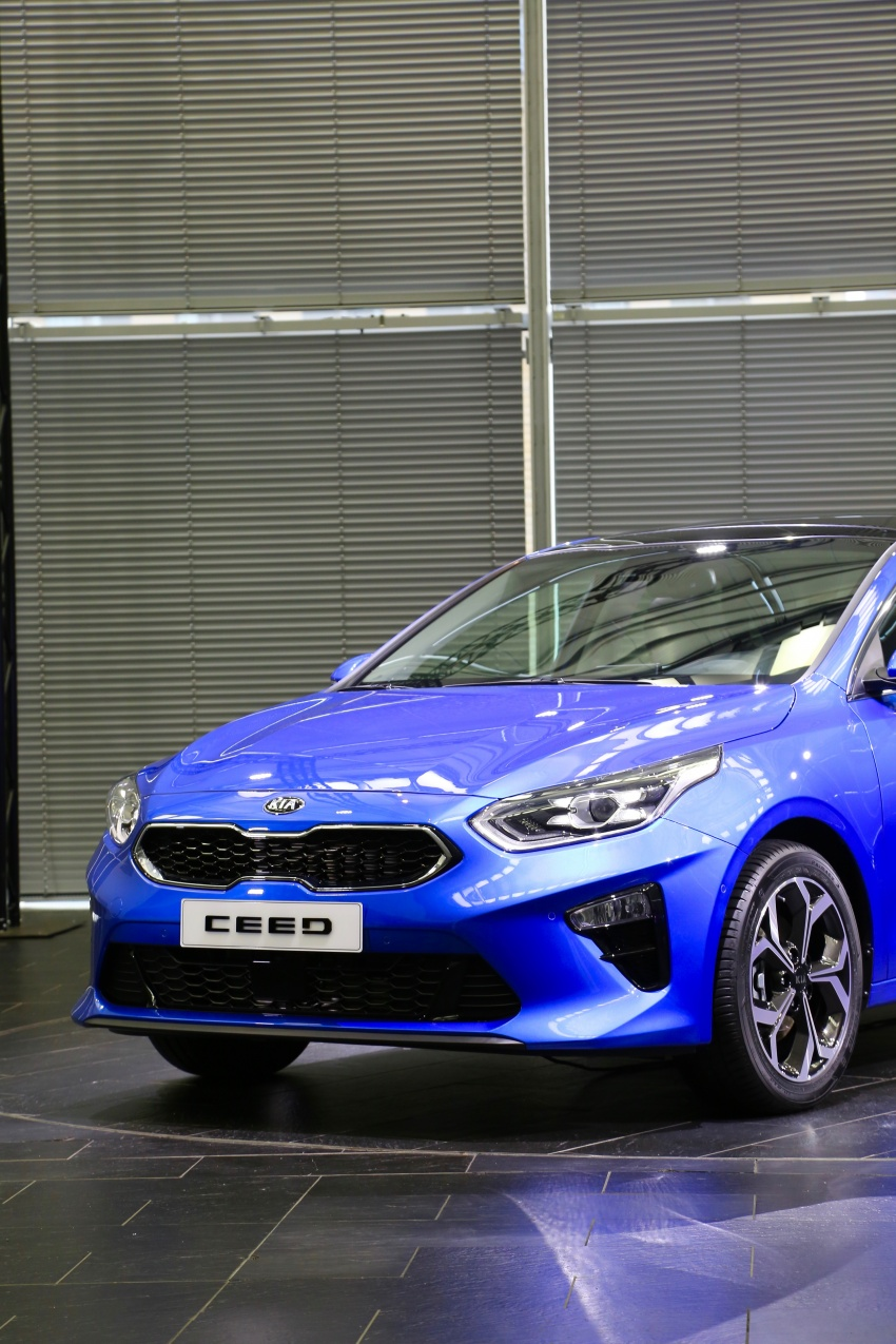 Kia Ceed revealed ahead of Geneva Motor Show – third-gen model gets new styling, name, more tech Image #779585