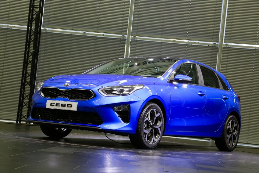 Kia Ceed revealed ahead of Geneva Motor Show – third-gen model gets new styling, name, more tech Image #779587
