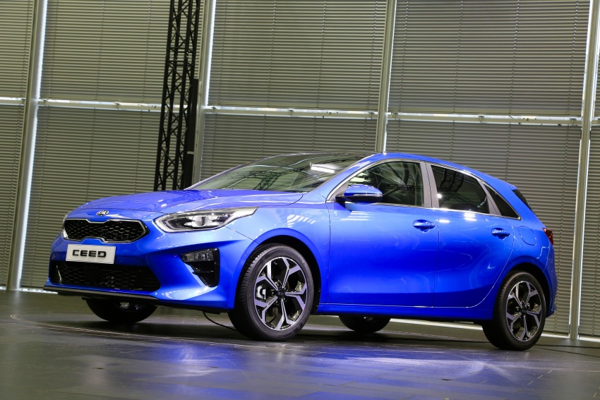 Kia Ceed revealed ahead of Geneva Motor Show – third-gen model gets new styling, name, more tech Image #779588