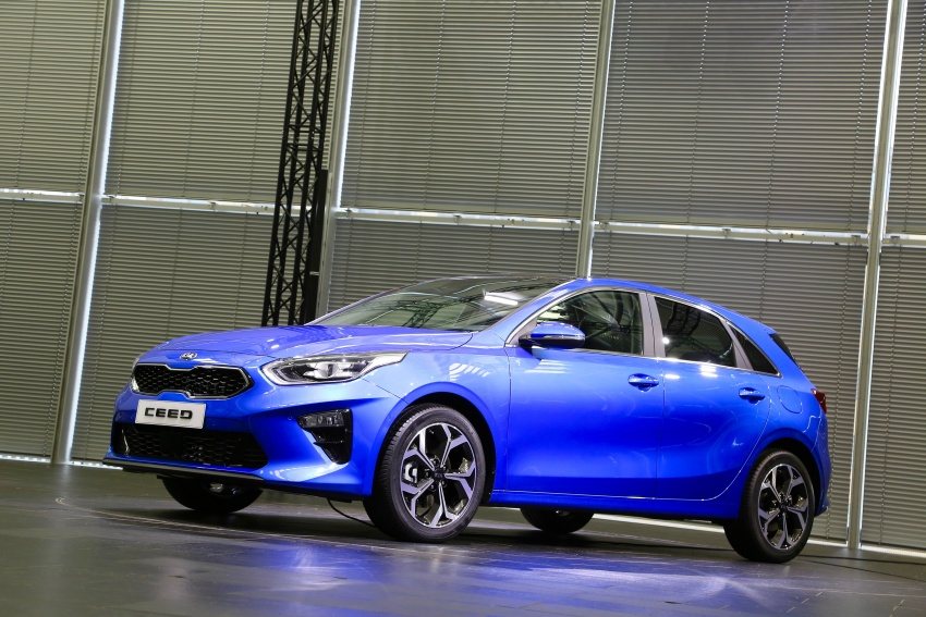 Kia Ceed revealed ahead of Geneva Motor Show – third-gen model gets new styling, name, more tech Image #779589