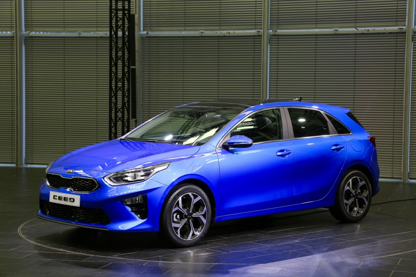 Kia Ceed revealed ahead of Geneva Motor Show – third-gen model gets new styling, name, more tech Image #779567