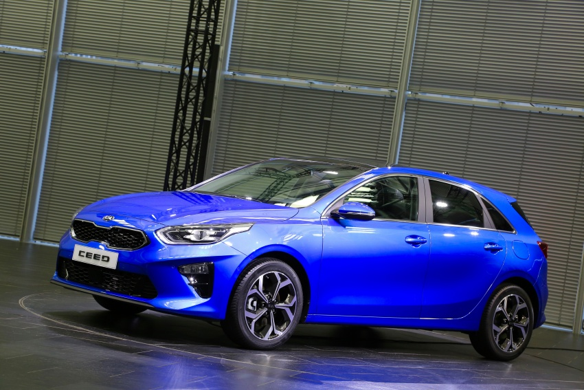 Kia Ceed revealed ahead of Geneva Motor Show – third-gen model gets new styling, name, more tech Image #779569