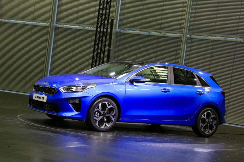 Kia Ceed revealed ahead of Geneva Motor Show – third-gen model gets new styling, name, more tech Image #779570