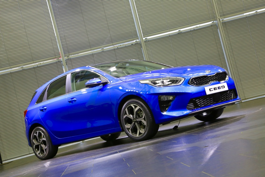 Kia Ceed revealed ahead of Geneva Motor Show – third-gen model gets new styling, name, more tech Image #779639