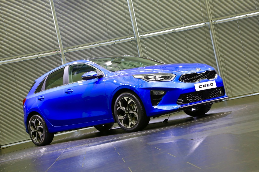 Kia Ceed revealed ahead of Geneva Motor Show – third-gen model gets new styling, name, more tech Image #779640