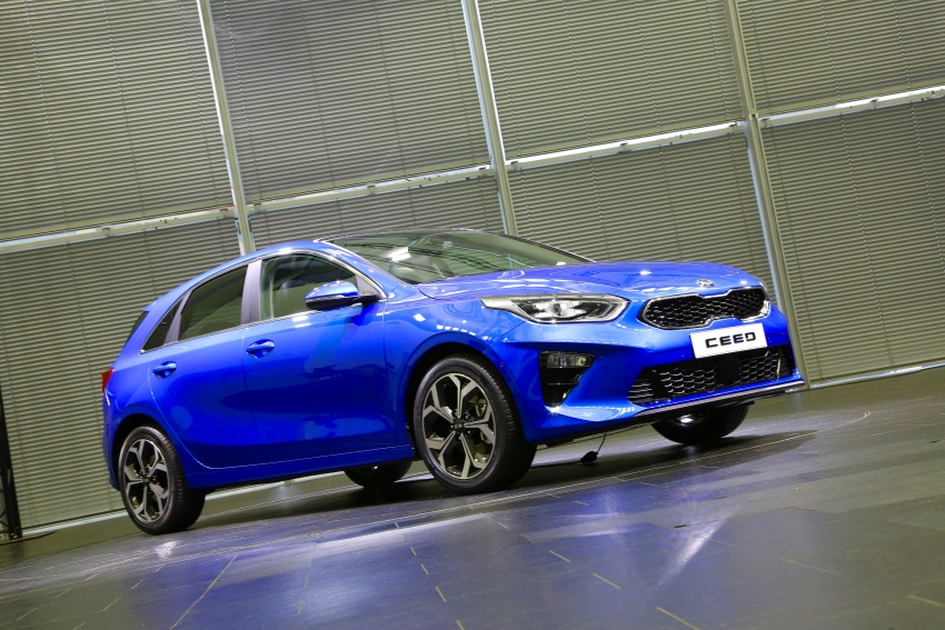 Kia Ceed revealed ahead of Geneva Motor Show – third-gen model gets new styling, name, more tech Image #779641