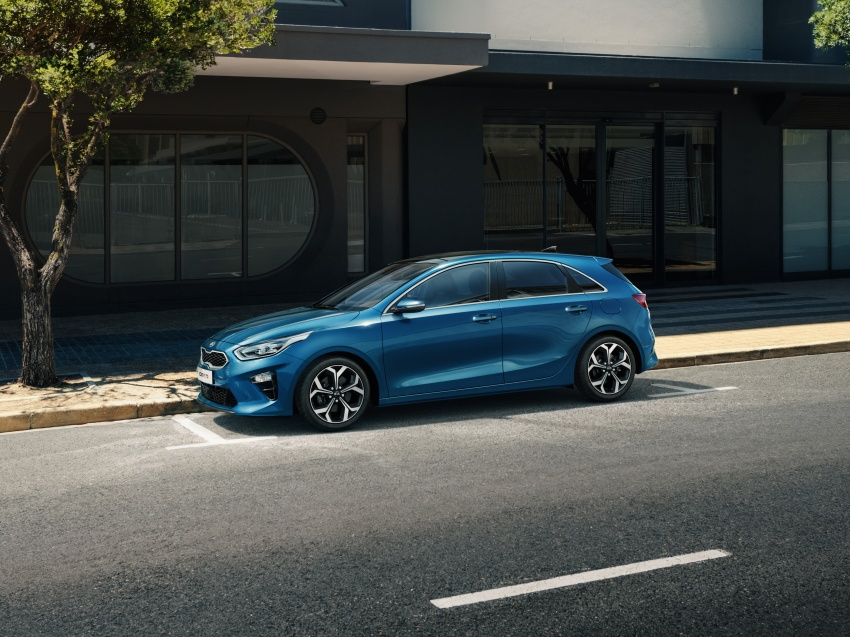 Kia Ceed revealed ahead of Geneva Motor Show – third-gen model gets new styling, name, more tech Image #779664