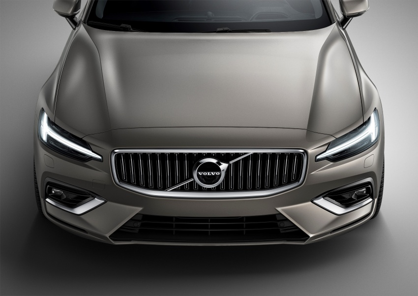 2018 Volvo V60 unveiled – new T6 Twin Engine PHEV Image #781361