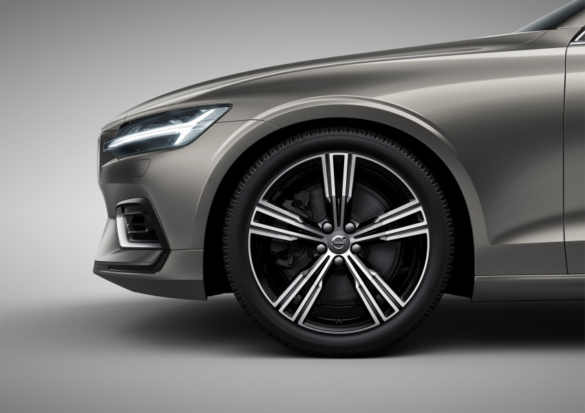 2018 Volvo V60 unveiled – new T6 Twin Engine PHEV Image #781362