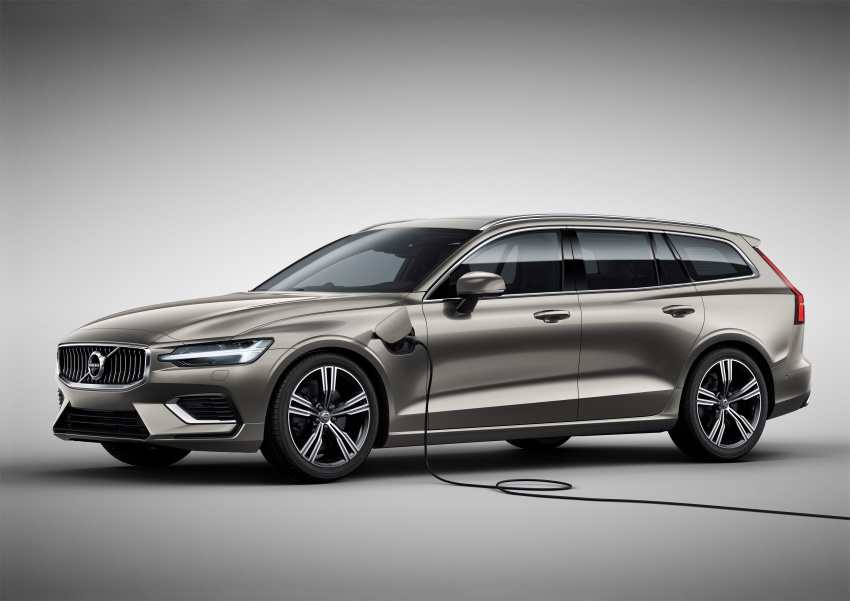 2018 Volvo V60 unveiled – new T6 Twin Engine PHEV Image #781373