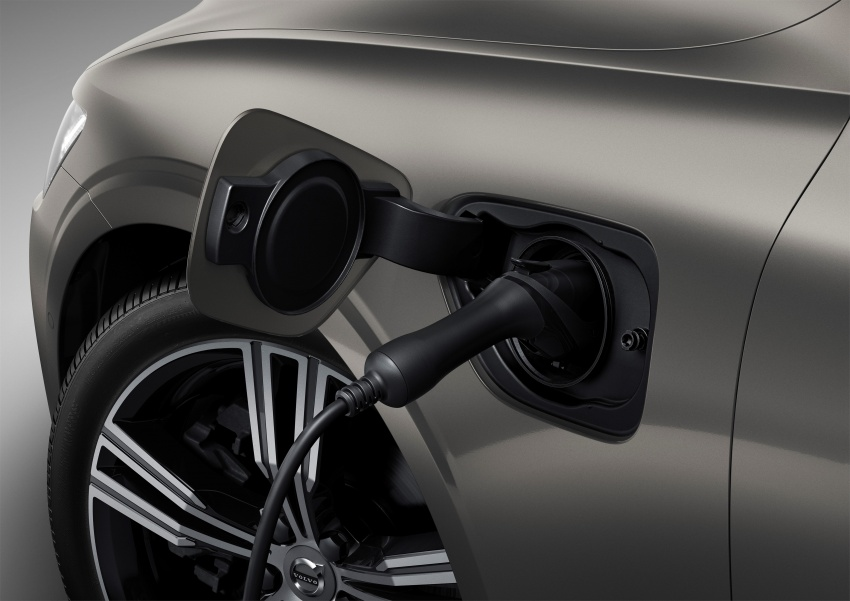 2018 Volvo V60 unveiled – new T6 Twin Engine PHEV Image #781374
