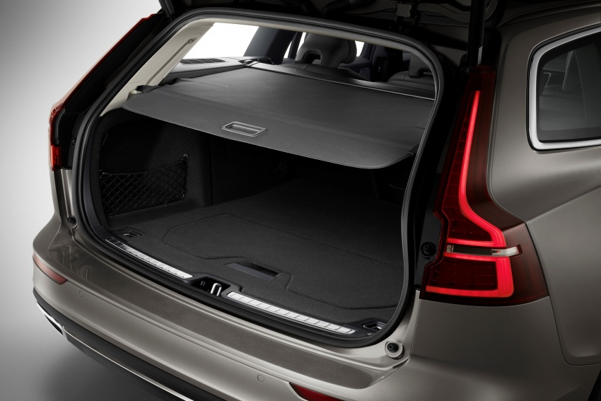 2018 Volvo V60 unveiled – new T6 Twin Engine PHEV Image #781377