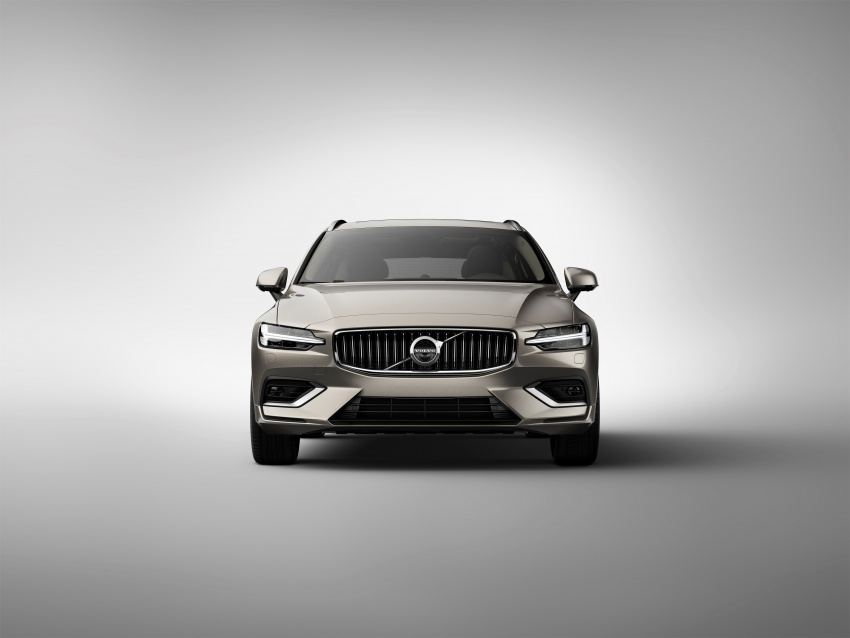 2018 Volvo V60 unveiled – new T6 Twin Engine PHEV Image #781381