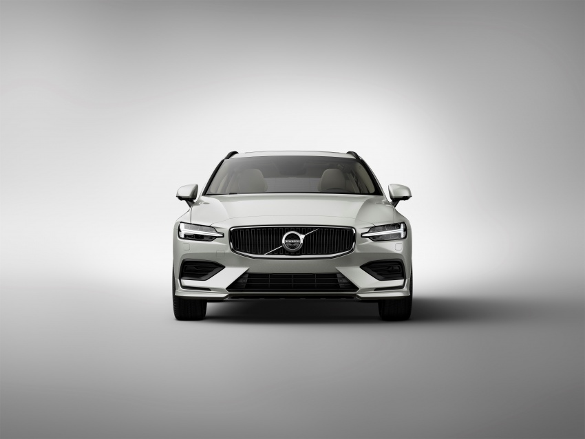 2018 Volvo V60 unveiled – new T6 Twin Engine PHEV Image #781353