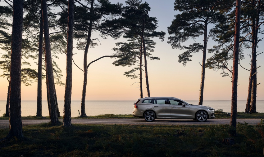 2018 Volvo V60 unveiled – new T6 Twin Engine PHEV Image #781400