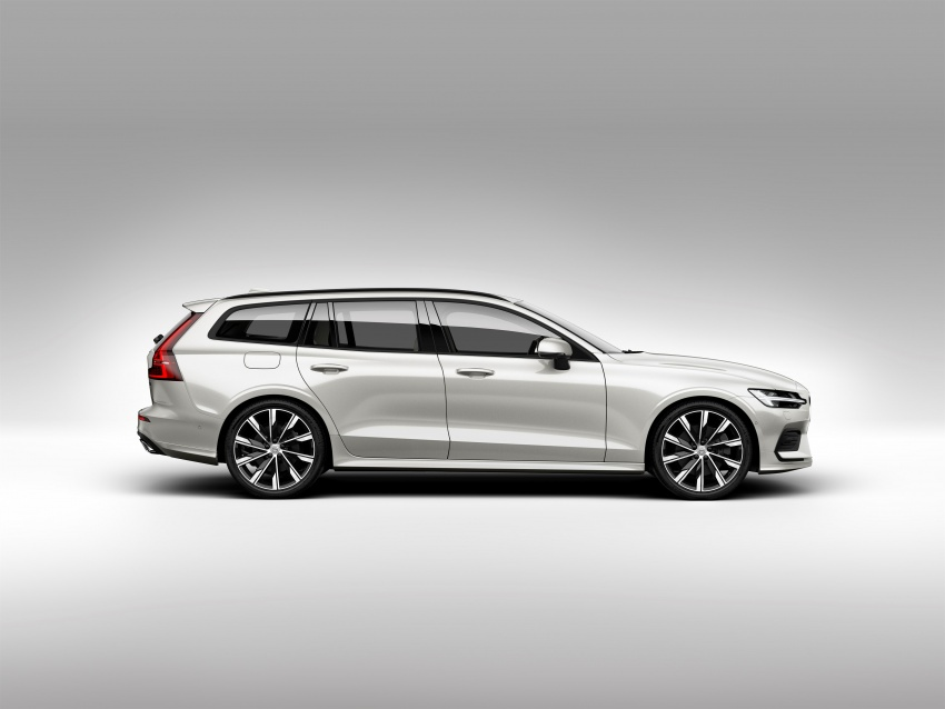 2018 Volvo V60 unveiled – new T6 Twin Engine PHEV Image #781355