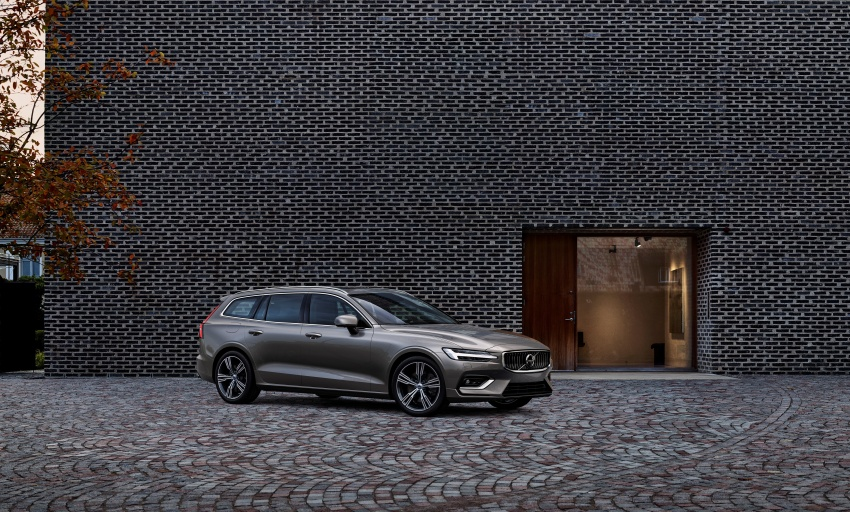 2018 Volvo V60 unveiled – new T6 Twin Engine PHEV Image #781403