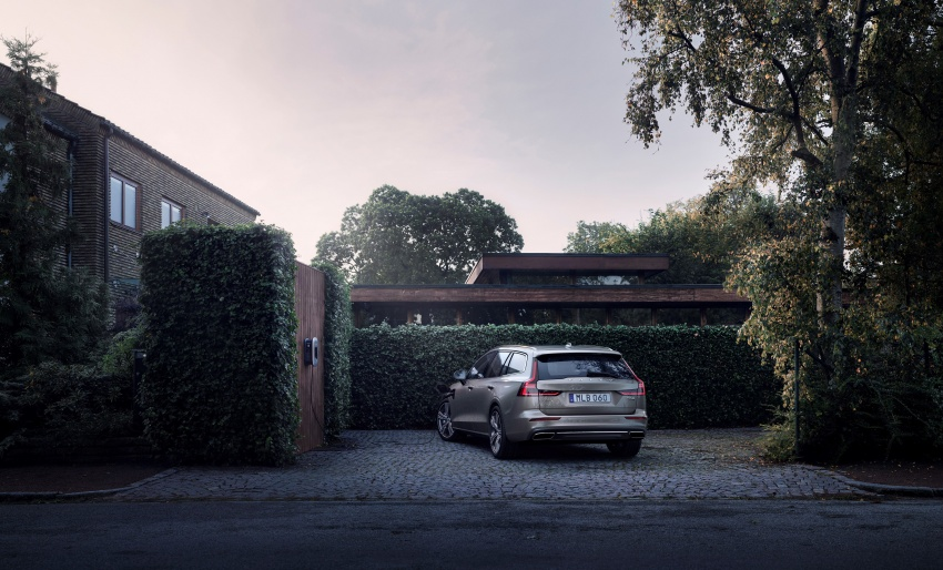 2018 Volvo V60 unveiled – new T6 Twin Engine PHEV Image #781404