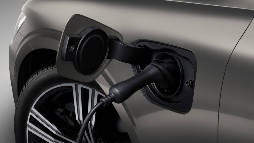 Volvo V60 generasi baharu didedahkan secara rasmi – turut tampil pilihan hibrid <em>plug-in</em> T6 Twin Engine Image #781496