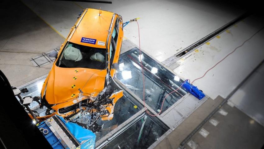 Volvo V60 generasi baharu didedahkan secara rasmi – turut tampil pilihan hibrid <em>plug-in</em> T6 Twin Engine Image #781462