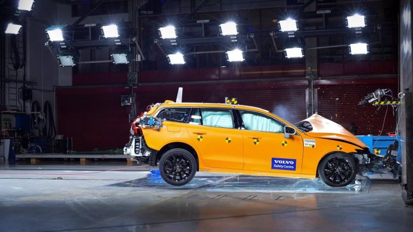 Volvo V60 generasi baharu didedahkan secara rasmi – turut tampil pilihan hibrid <em>plug-in</em> T6 Twin Engine Image #781457