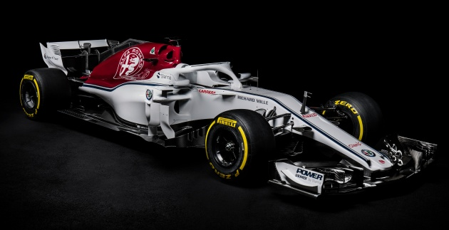 renault sauber and williams unveil 2018 f1 race cars. Black Bedroom Furniture Sets. Home Design Ideas