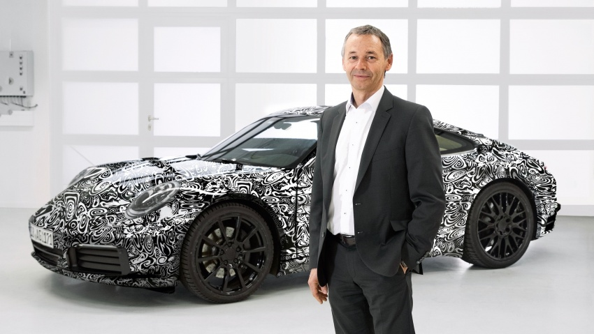 2019 Porsche 911 teased; spyshots reveal 992 interior Image #783075