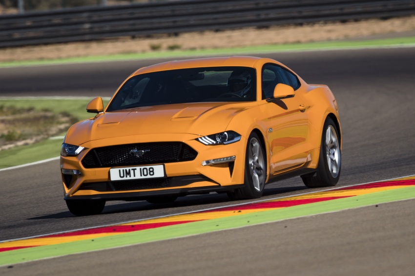 VIDEO: Ford Performance models battle it out on track Image #773314