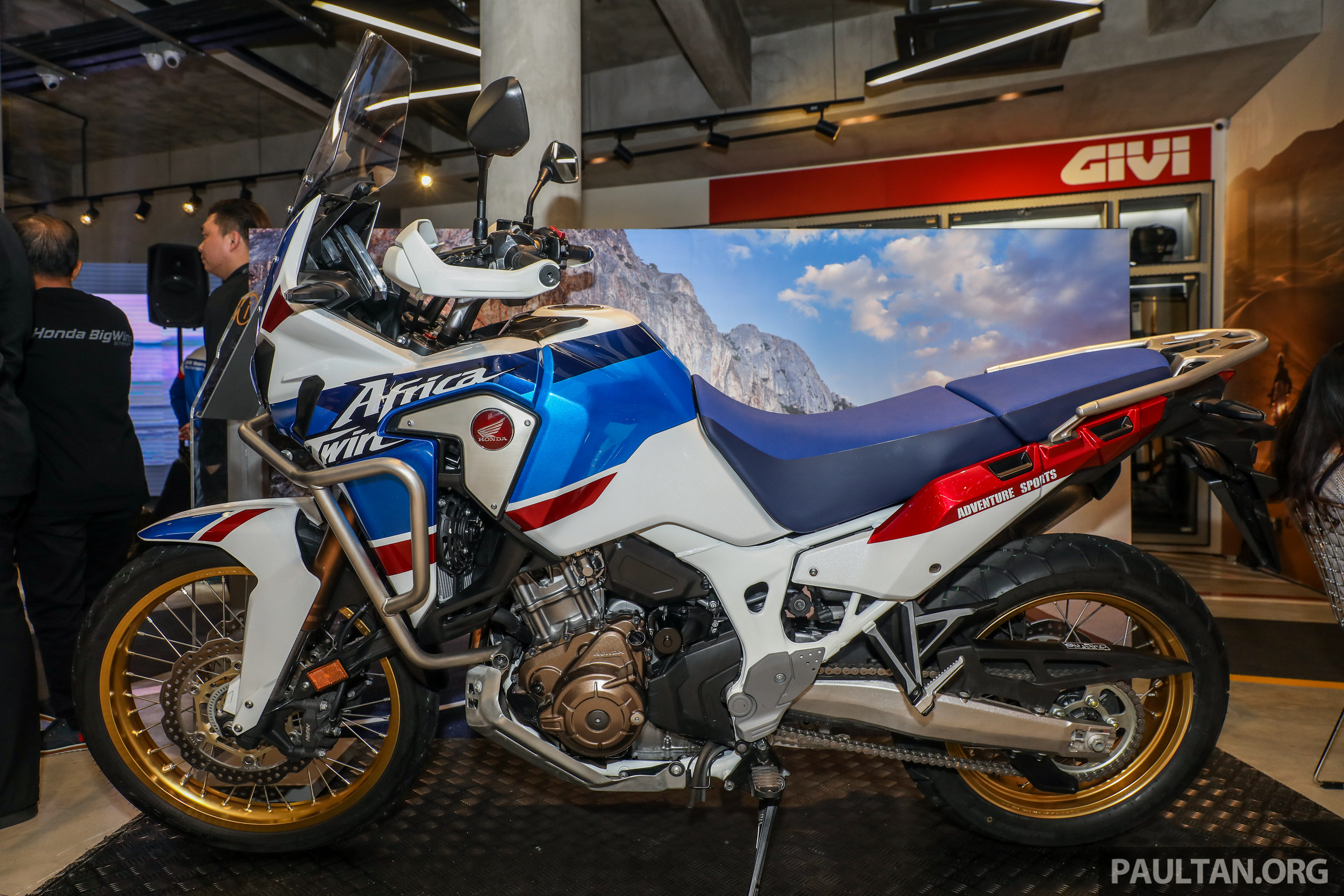2018 honda africa twin at rm80k x adv below rm70k. Black Bedroom Furniture Sets. Home Design Ideas