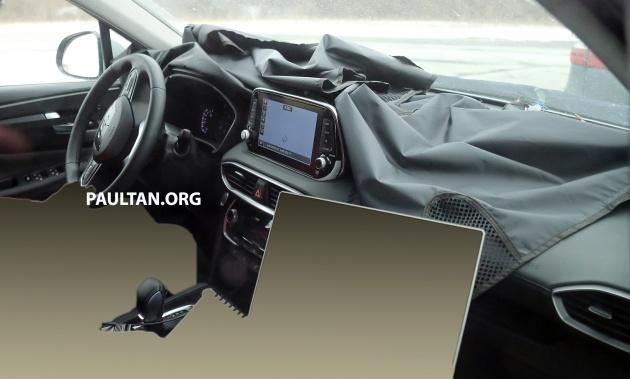 SPIED: First look at new Hyundai Santa Fe\'s interior