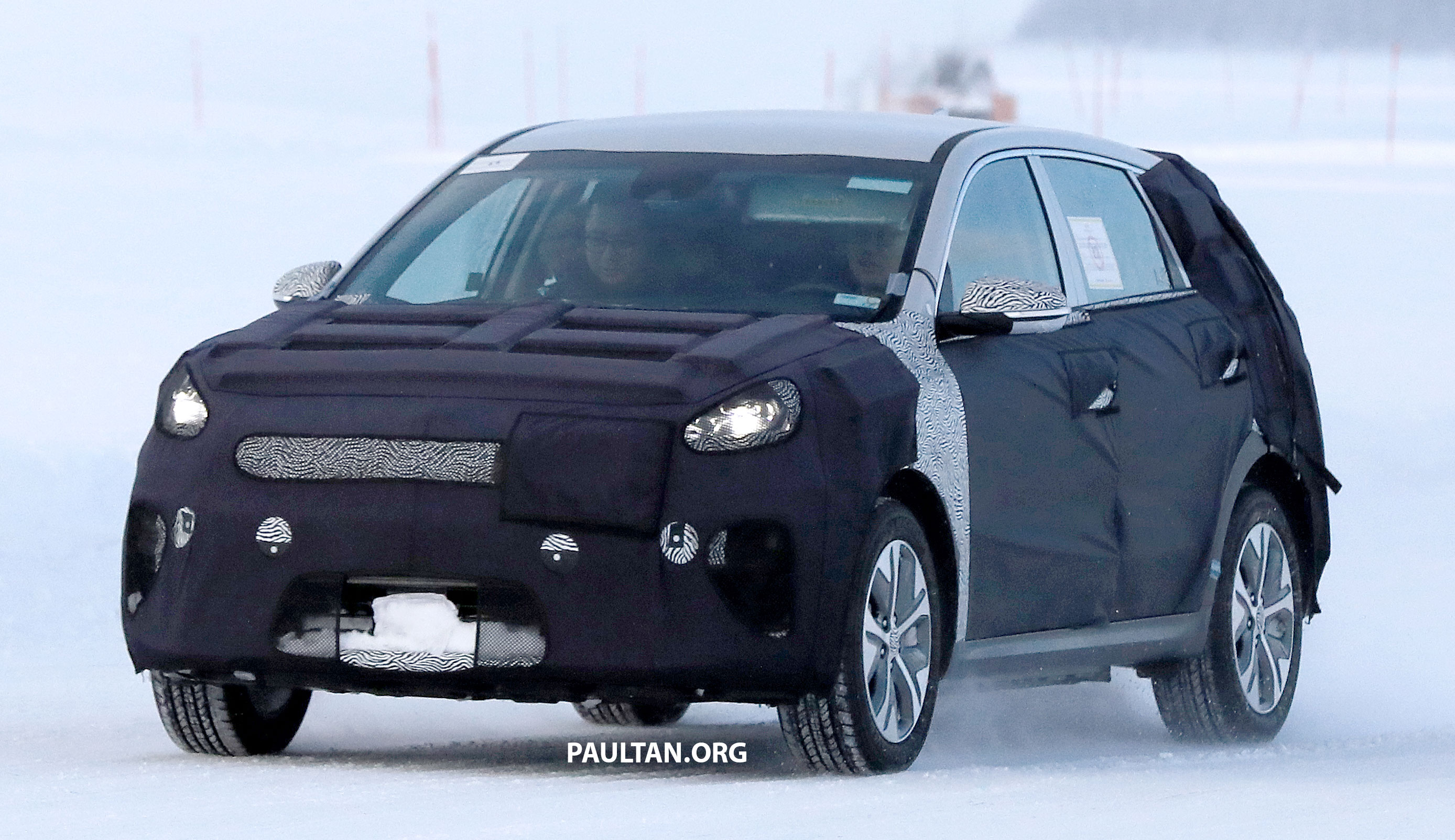 spyshots kia niro ev spotted cold weather testing. Black Bedroom Furniture Sets. Home Design Ideas