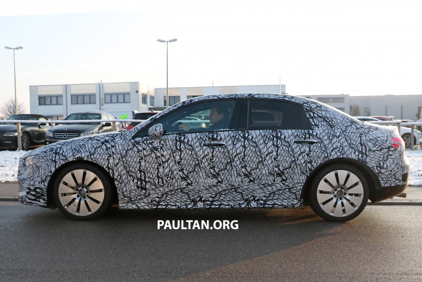 SPYSHOTS: Mercedes-AMG A35 Sedan spotted testing Image #775504