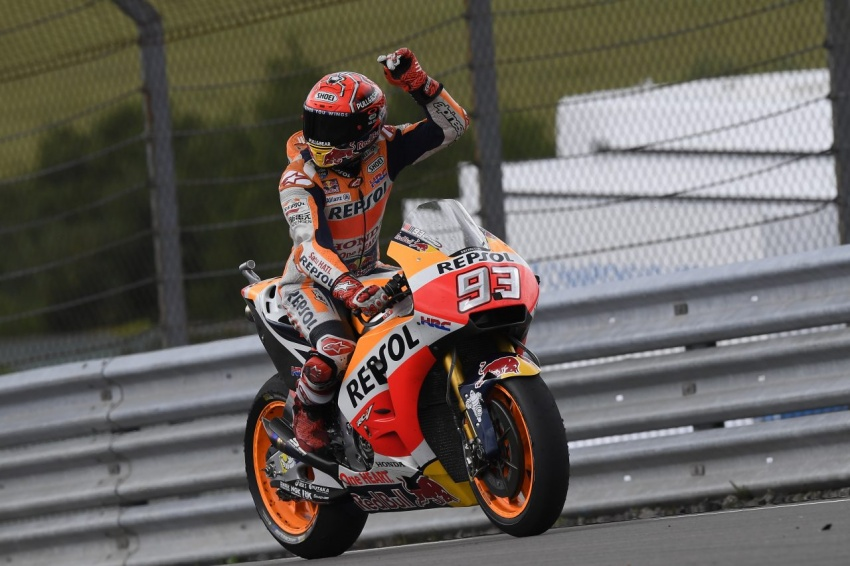 MotoGP champ Marquez – two more years with Honda Image #783838