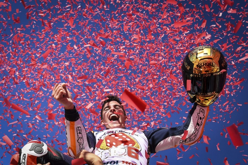 MotoGP champ Marquez – two more years with Honda Image #783866