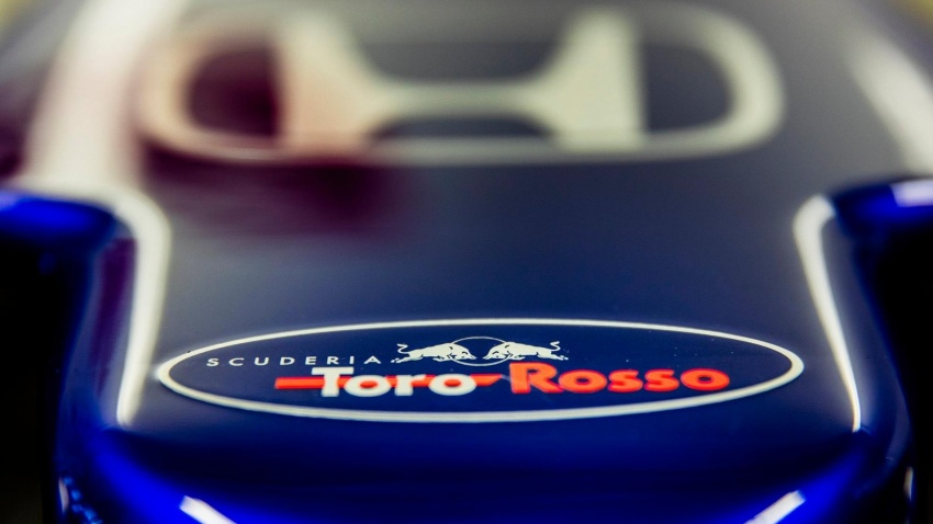 Toro Rosso and Force India reveal their 2018 F1 cars Image #783668
