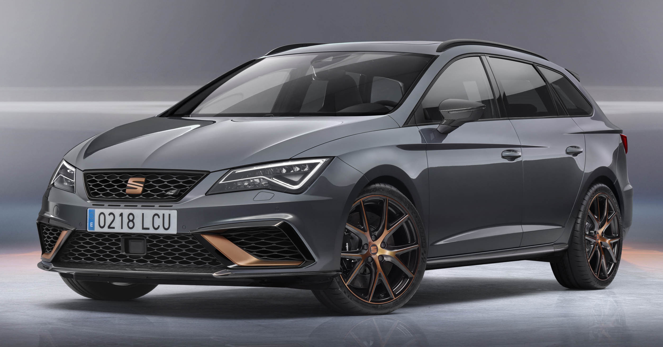 seat leon cupra r st 300 ps estate gets unveiled. Black Bedroom Furniture Sets. Home Design Ideas