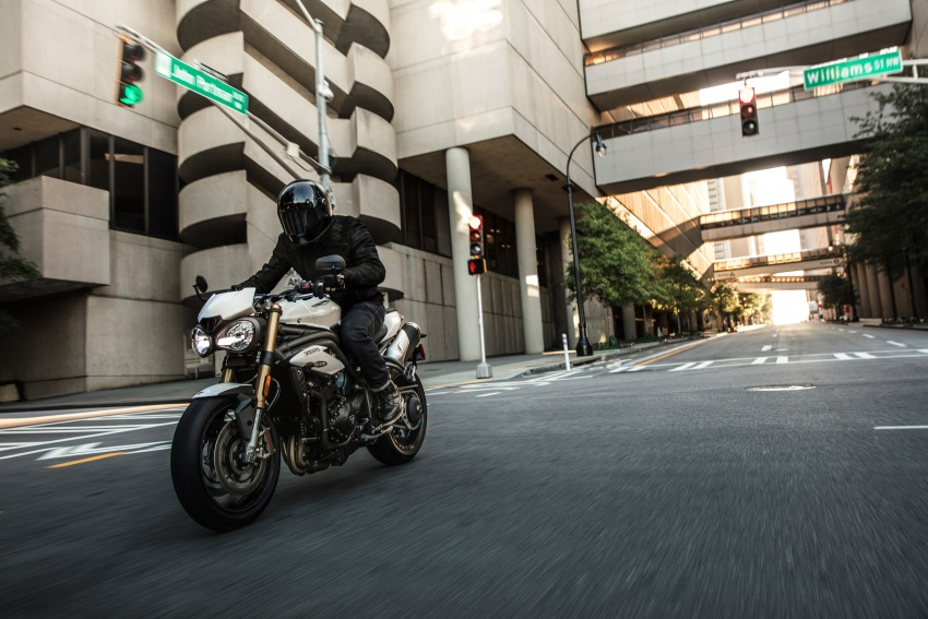 Triumph Speed Triple – kuasa ditingkat, lebih canggih Image #775601