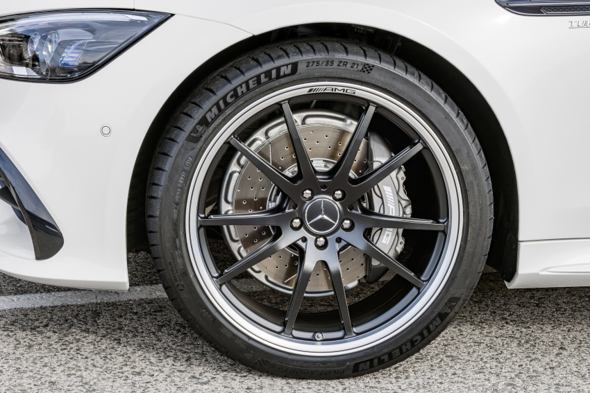 Mercedes-AMG GT 4-Door Coupe officially debuts in Geneva – up to 630 hp, 0-100 km/h in 3.2 seconds Image #787195