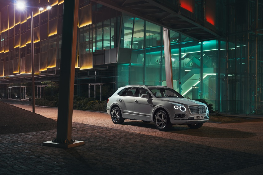 Bentley Bentayga Hybrid – new 3.0L V6, 50 km e-range Image #786368