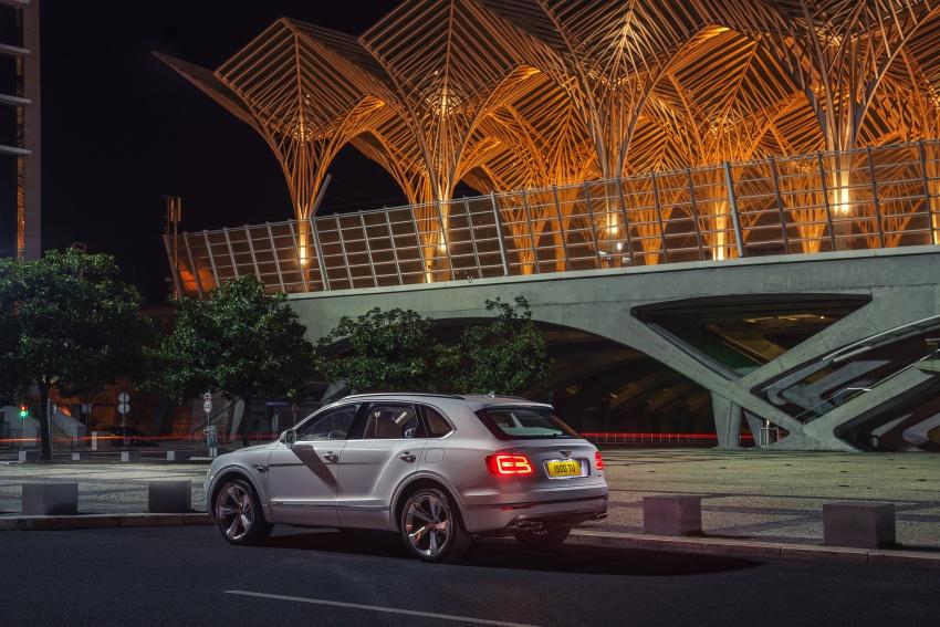 Bentley Bentayga Hybrid – new 3.0L V6, 50 km e-range Image #786382