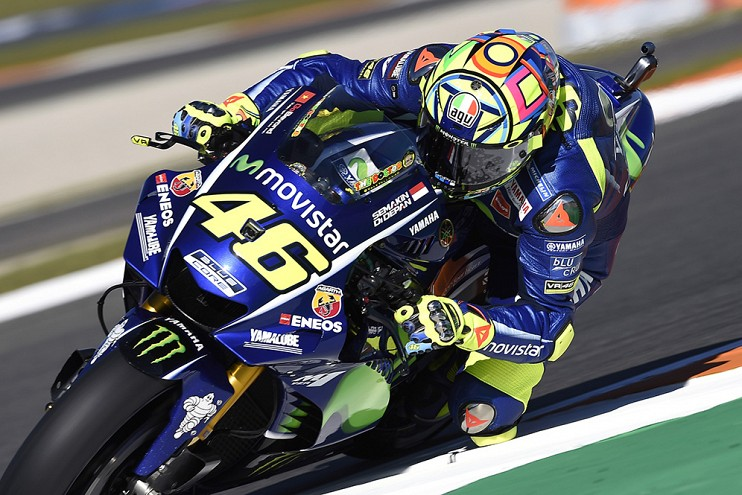 Valentino Rossi signs with Yamaha for two more years Image #791474