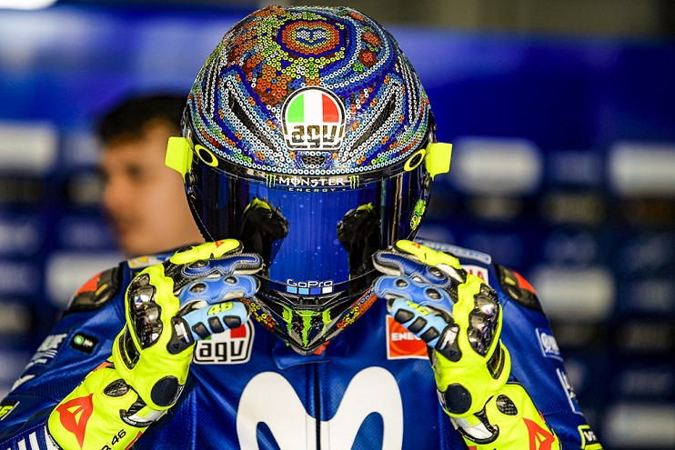 Valentino Rossi signs with Yamaha for two more years Image #791486