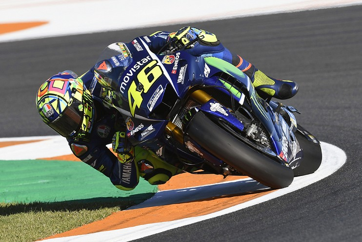 Valentino Rossi signs with Yamaha for two more years Image #791475